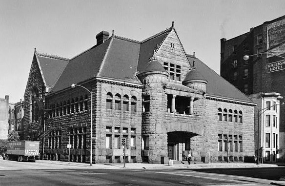 Excalibur Nightclub & The Chicago Historical Society - Photo